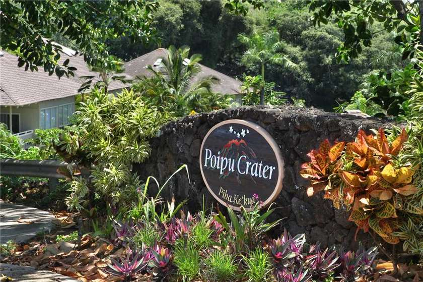 Poipu Crater 18
